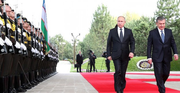 Putin, Özbekistan'ın İlk Nükleer Santrali için Proje Başlattı