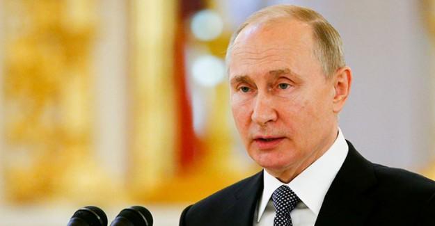 Putin, Rusya'da Yaşayan Müslümanların Bayramını Kutladı