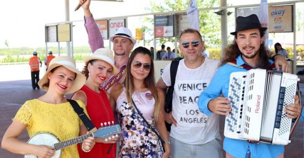 Rus Turistlerin İlgi Odağı Antalya Oldu