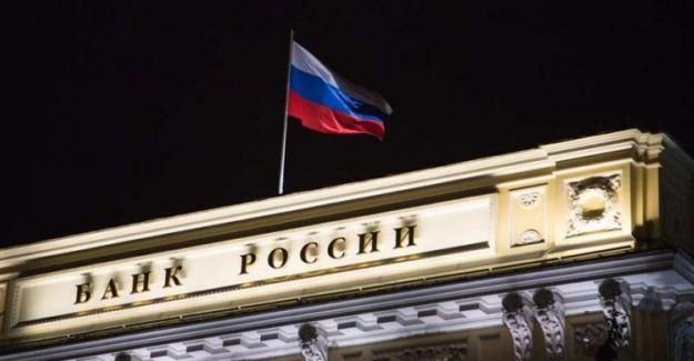 Rusya Merkez Bankası Politika Faizini Düşürdü