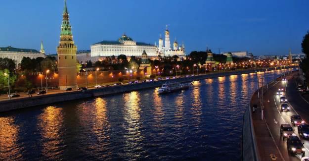 Rusya Slovak Diplomatları Sınır Dışı Ediyor