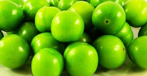 Rüyada Yeşil Erik Yemek
