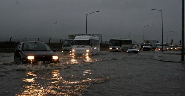 Sağanak Yağış Hayatı Olumsuz Etkiledi!
