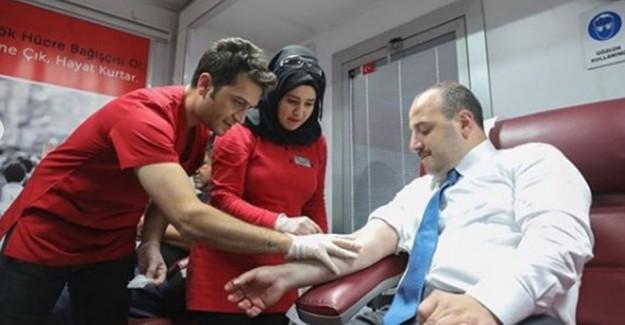 Sanayi ve Teknoloji Bakanı Mustafa Varank, İlik Donörü Oldu