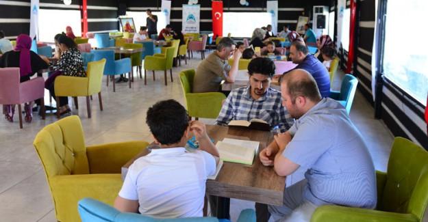 Şanlıurfa'da Açılan Millet Kıraathanesi'ne İlgi Büyük