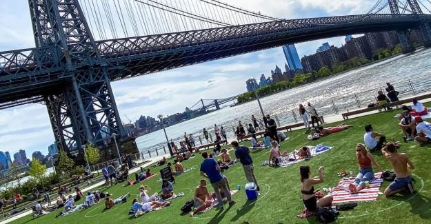 Sıcak Havayı Gören New Yorklular Parklara Akın Etti