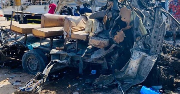 Somali'de 81 Kişinin Öldüğü Bombalı Saldırıyı Terör Örgütü Şebab Üstlendi