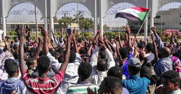 Sudan Halkı Yasağa Rağmen Sokak Eylemlerine Hala Devam Ediyor