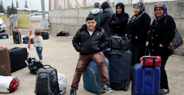 Suriyeli Mülteciler Ülkelerine Gidiyor