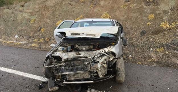 Tekerleği Patlayan Araç Takla Attı: 5 Yaralı
