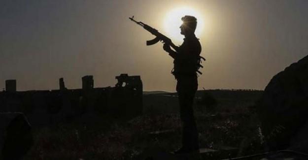 Teröristler İki Köylüyü Araçlarını Yakarak Öldürdü!