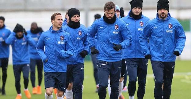 Trabzonspor'da 11 Oyuncunun Bileti Kesildi!