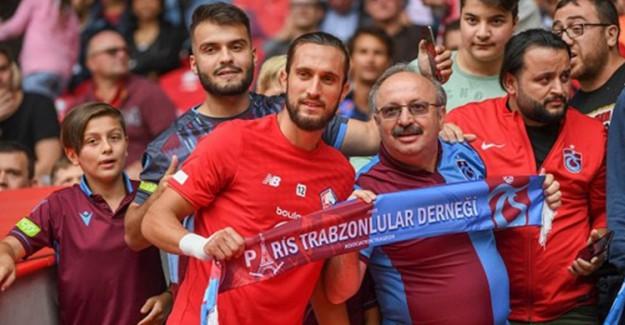 Trabzonsporlu Taraftarlar, Yusuf Yazıcı'yı İlk Maçında Yalnız Bırakmadı