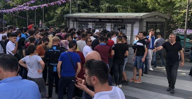 Trabzonspor-Sparta Prag Maçının Biletleri 8 Dakika İçinde Tükendi!