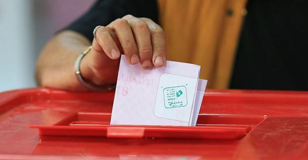 Tunus'ta Cumhurbaşkanlığında Erken Seçim