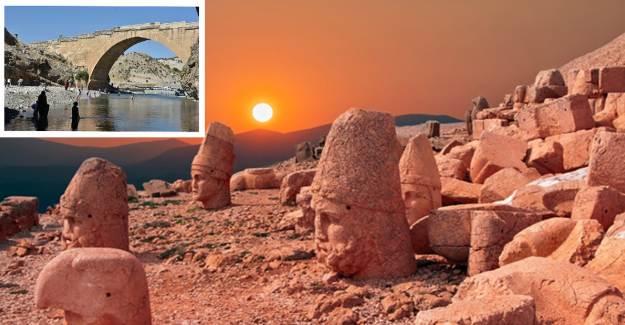 Turist Akını: Nemrut'a Tırmanmadan Önce Kahta Çayı'nda Serinliyorlar