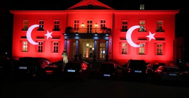 Türkiye Başkonsolosluğu'na Hain Saldırı!