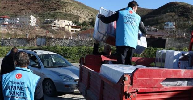 Türkiye'den Arnavutluk'a Dayanışma Kucağı