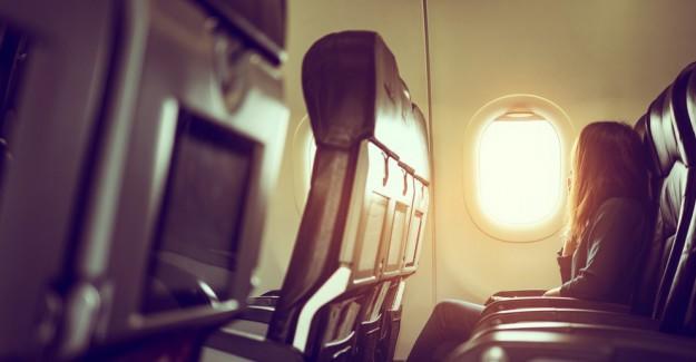 Uçakta Pencere Kenarında Oturmayı Sevenlere Kötü Haber!