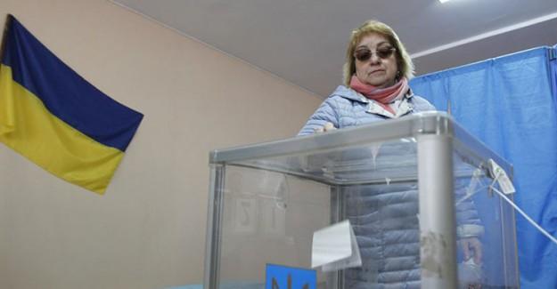 Ukrayna Yarın Sandık Başına Gidiyor