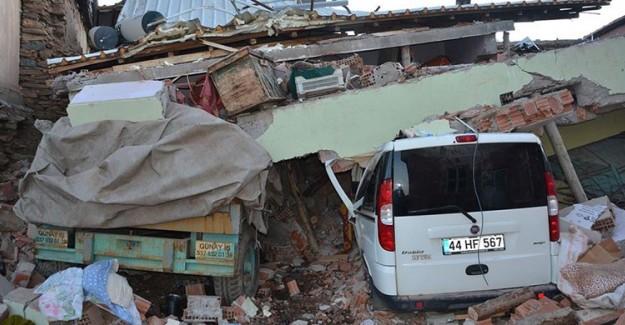 Ulaştırma ve Altyapı Bakanı Turhan'dan Deprem Açıklaması