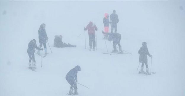 Uludağ'a Karla Birlikte Rezervasyon Yağdı