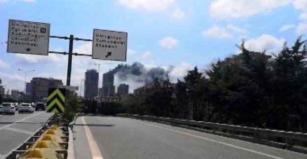 Ümraniye'de 29 Katlı Binada Yangın Çıktı