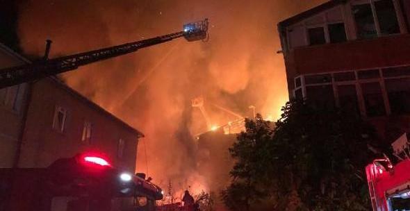 Ümraniye'de Metruk Binada Yangın