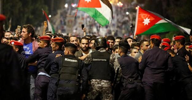 Ürdün'de Sarı Yelekliler Protestosu Patlak Verdi
