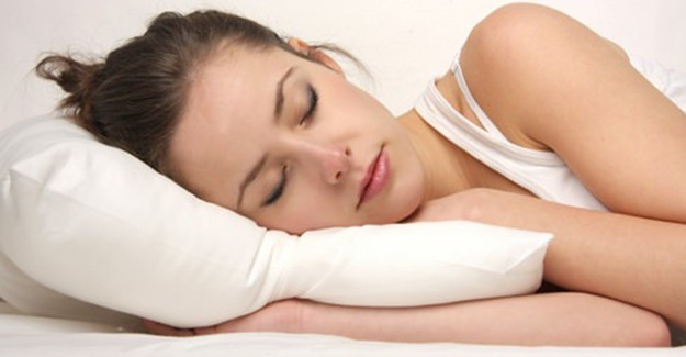 Uyuma Pozisyonu ile Ağrılardan Kurtulma Yöntemleri!