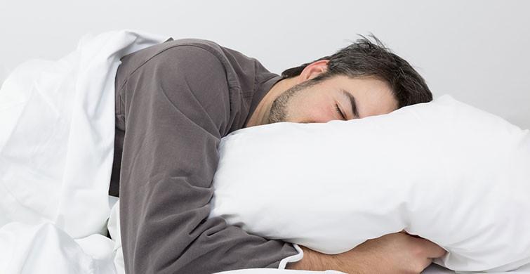 Uyumak Abdesti Bozar mı?