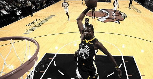 Warriors'tan Knicks'e 28 Sayı Fark!