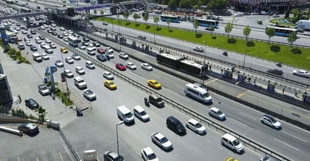 Yasaktan Sonra Vatandaş Sokağa Döküldü! Trafik Yüzde 47 Arttı