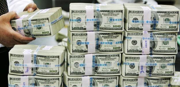 Yatağının Altına Sakladığı 20 Milyon Dolarla Yakalandı