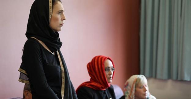 Yeni Zelandalı Kadınlar Destek İçin Başörtüsü Takacak