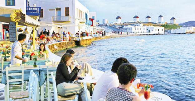 Yunanistan 25 Ülkeden Turist Kabul Etmeye Başlayacak