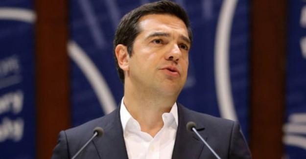Yunanistan Başbakanı Çipras Dışişleri Bakanlığına Katruggalos'u Getirdi
