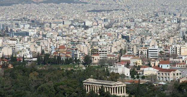 Yunanistan Dışişleri Bakanlığı Şüpheli Paket Üzerinde Tahliye Edildi