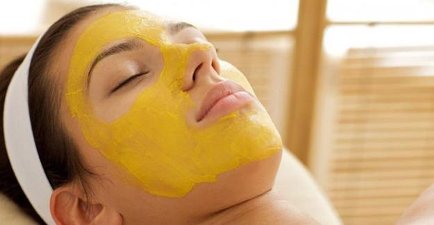 Yüz Tüylerine Doğal Epilasyon: Limon Kabuğu Maskesi