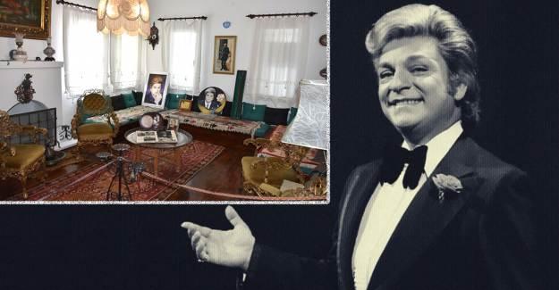 Zeki Müren'in Ölümünün 24'üncü Yılında Evine Ziyaretçi Akını