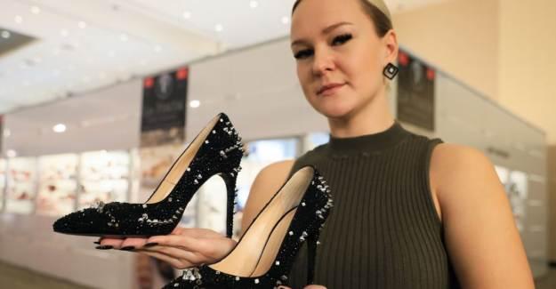 Antalya'daki Bir Fuarda Otomobil Fiyatında Ayakkabı!