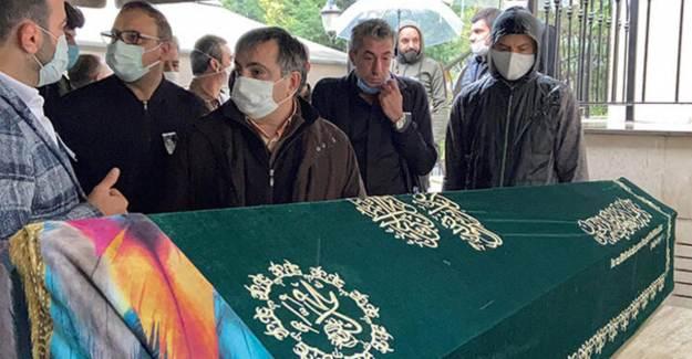 Erkan Petekkaya'nın Annesi Şerife Petekkaya Son Yolculuğuna Uğurlandı