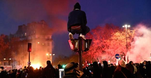 Fransa'da Yine Protesto! Binlerce Kişi Sokağa Döküldü