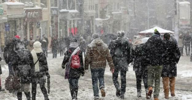 Kar Yağışı Geri Dönüyor! İstanbul İçin Kritik Uyarı
