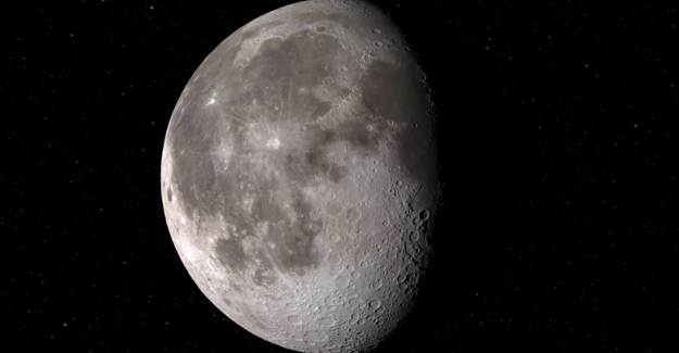 NASA, Ay'da Su Bulduğunu Açıkladı